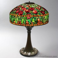 louiscomforttiffanytuliptablelamp.jpg